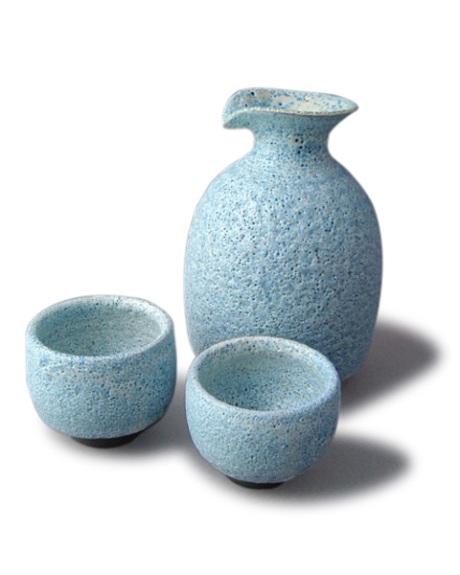 papa sake with two baby sake cups